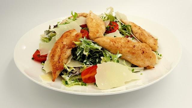 Chicken Caesar salad | How to make classic Caesar salad