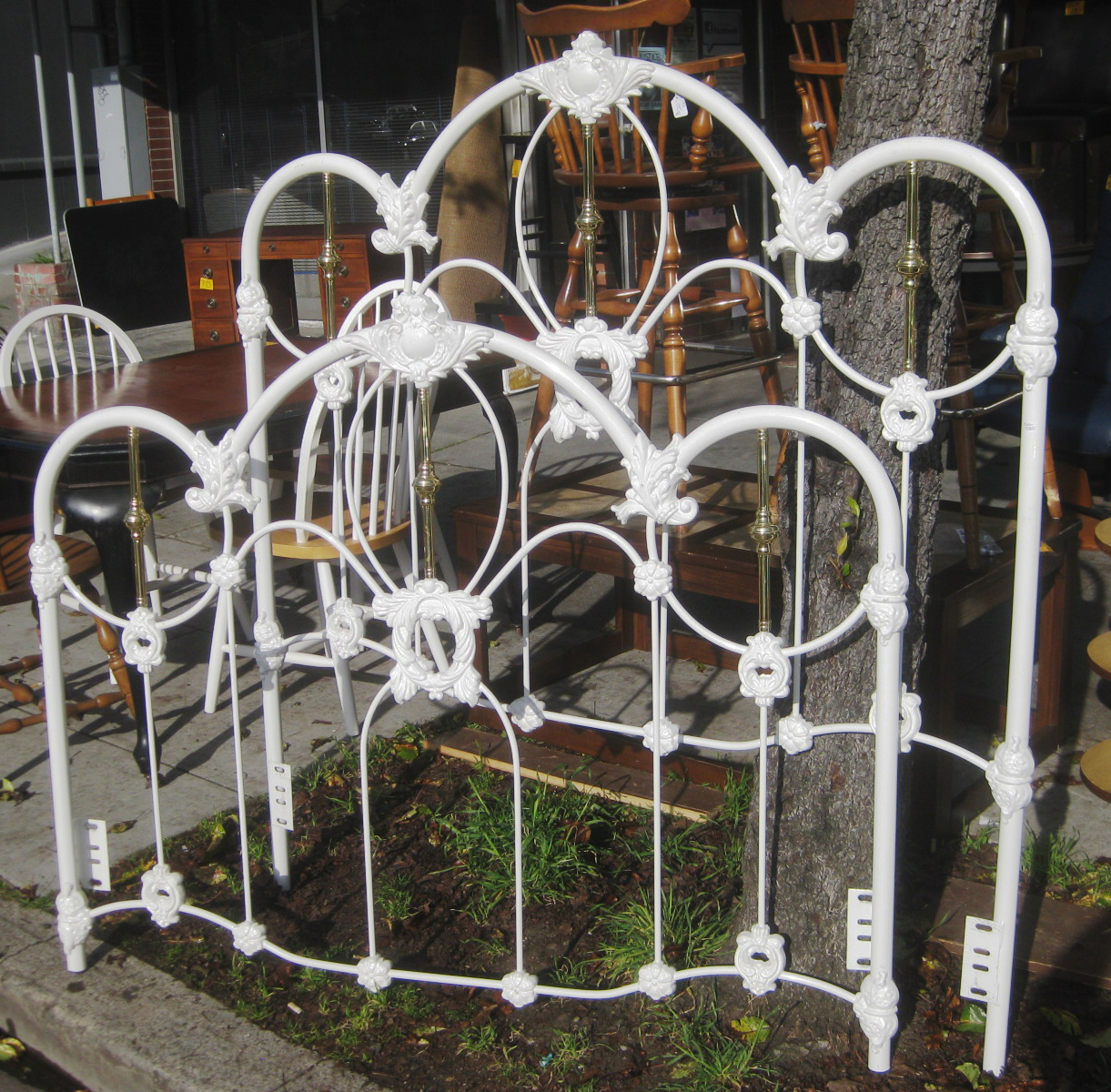Uhuru Furniture Amp Collectibles Sold Queen Iron Bed