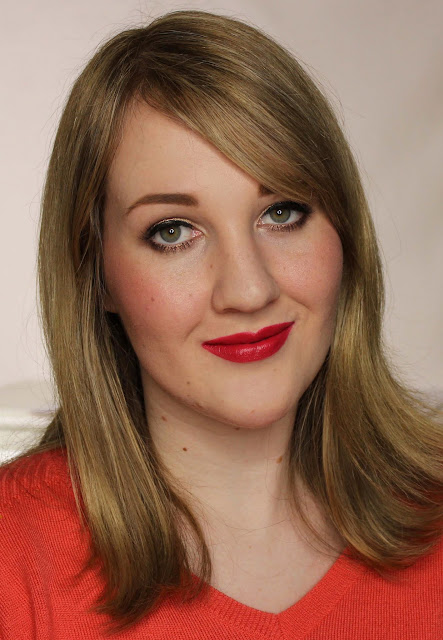 MAC MONDAY | Julia Petit - Petite Red Lipstick Swatches & Review