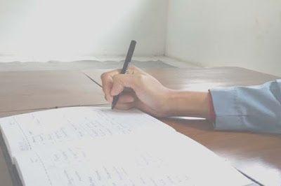 Manfaat Menjadi Seorang Penulis.jpg