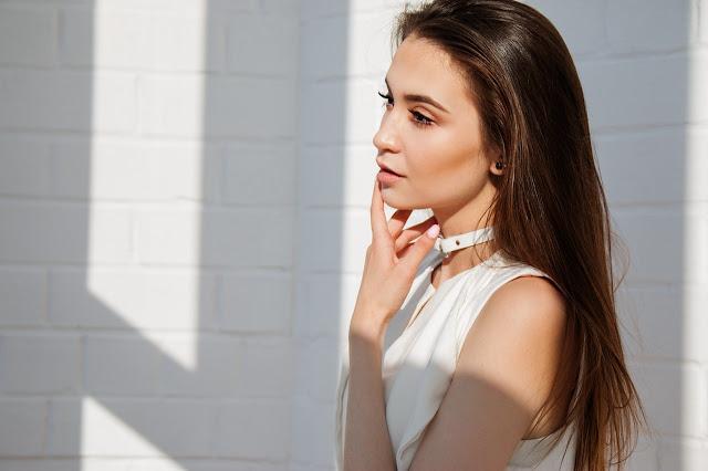 How to enhance thin lips?
