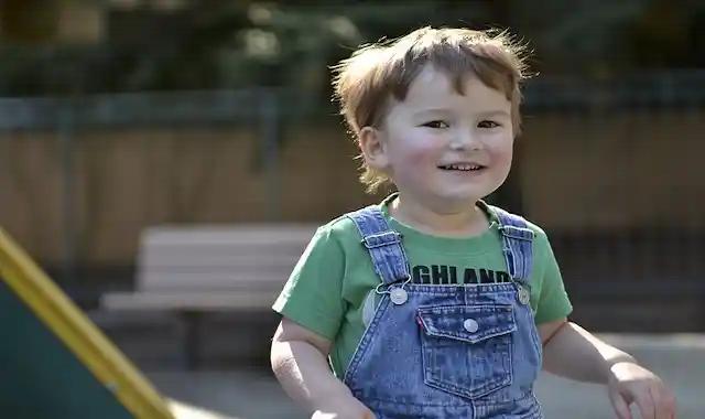 علامات التوحد عند الرضع