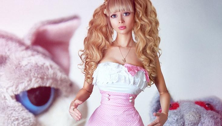 harga boneka cantik di pesta tahun baru boneka tercantik dan termirip wanita di dunia