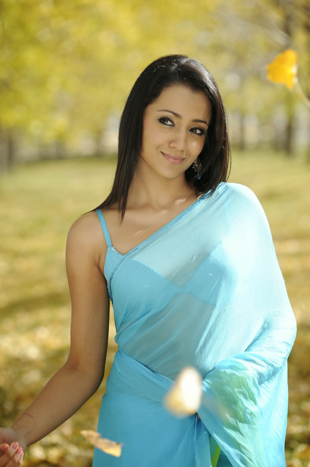 Tamil Quotes Wallpaper Hd Actress Trisha Hot Photos And Hd Wallpapers Collections