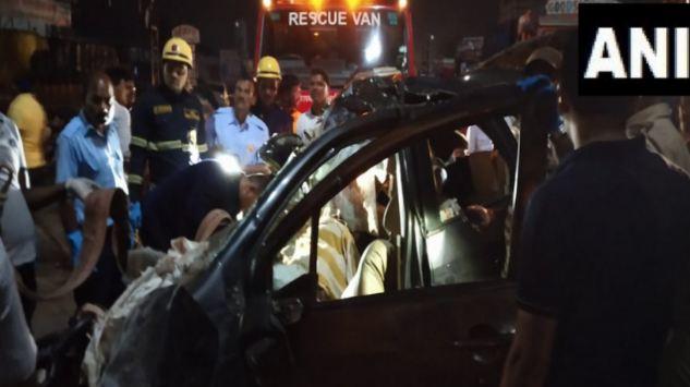 ट्रक और कार की टक्कर में 9 की मौत - newsonfloor.com