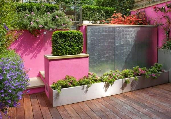 Un Patio De Color Rosa Guia De Jardin