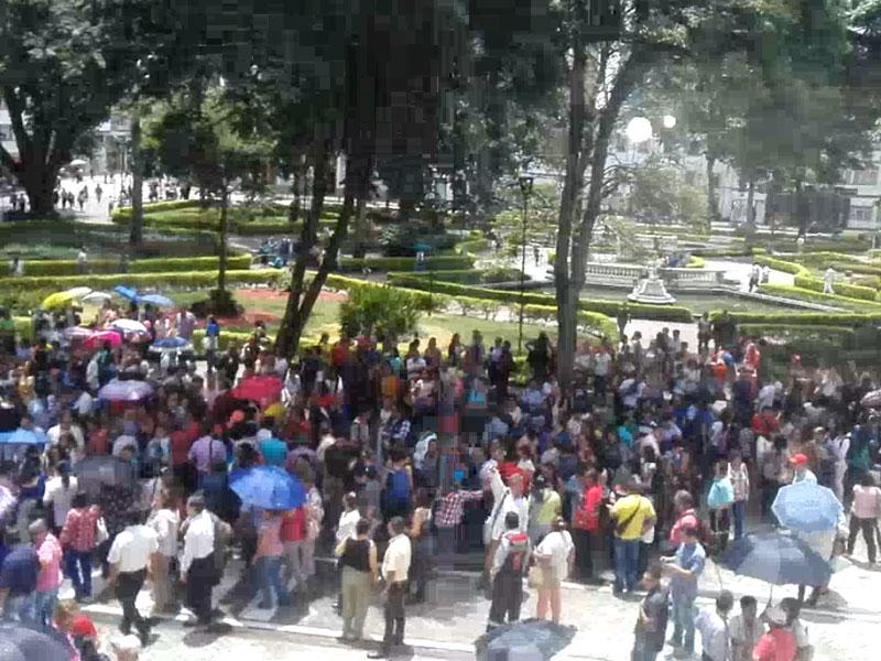 Trabajadores protestan en Ibagué por privatización de la salud en dos hospitales