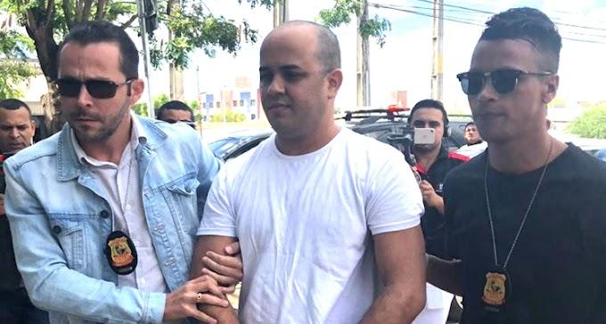 Romário Araújo chega a delegacia regional de sobral: Vídeo