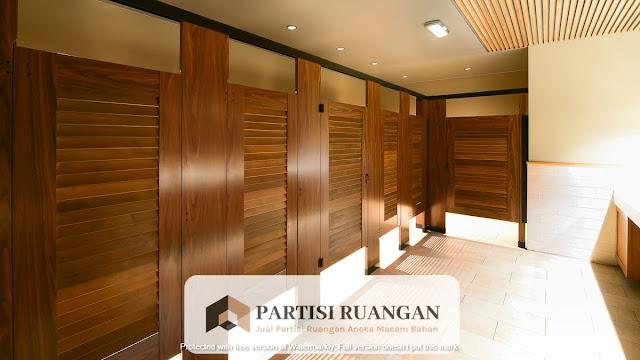 jual partisi toilet kayu Padang Sidempuan