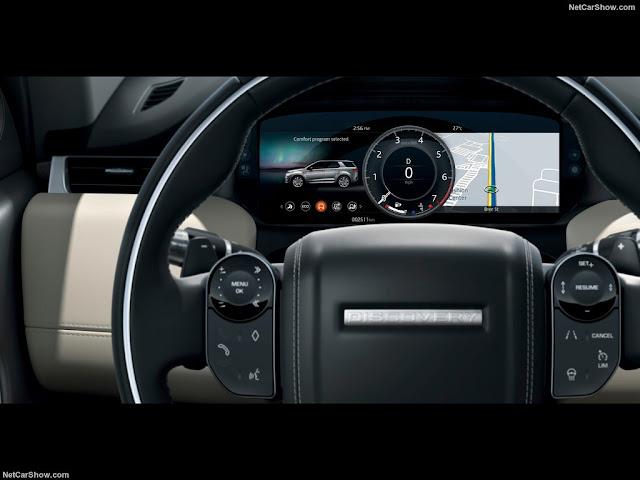 Cụm vô lăng của Land Rover Discovery Sport đã được tinh chỉnh cho trẻ trung hơn