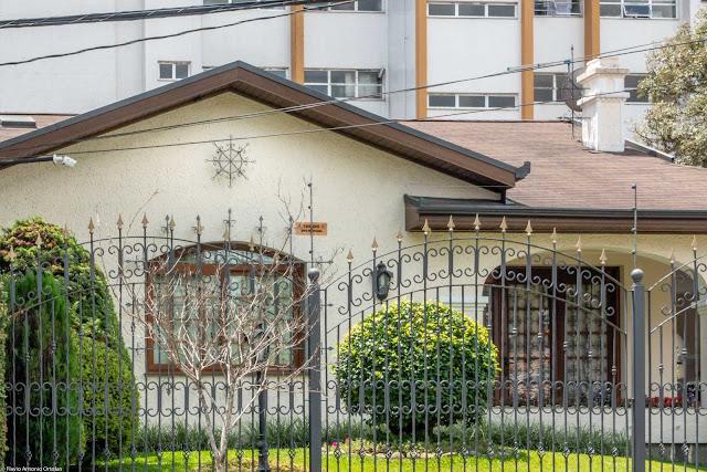 Outra casa com ornamento de ferro - detalhe