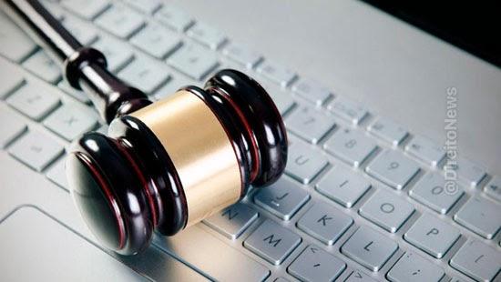 juiza autoriza foragido participar audiencia videoconferencia