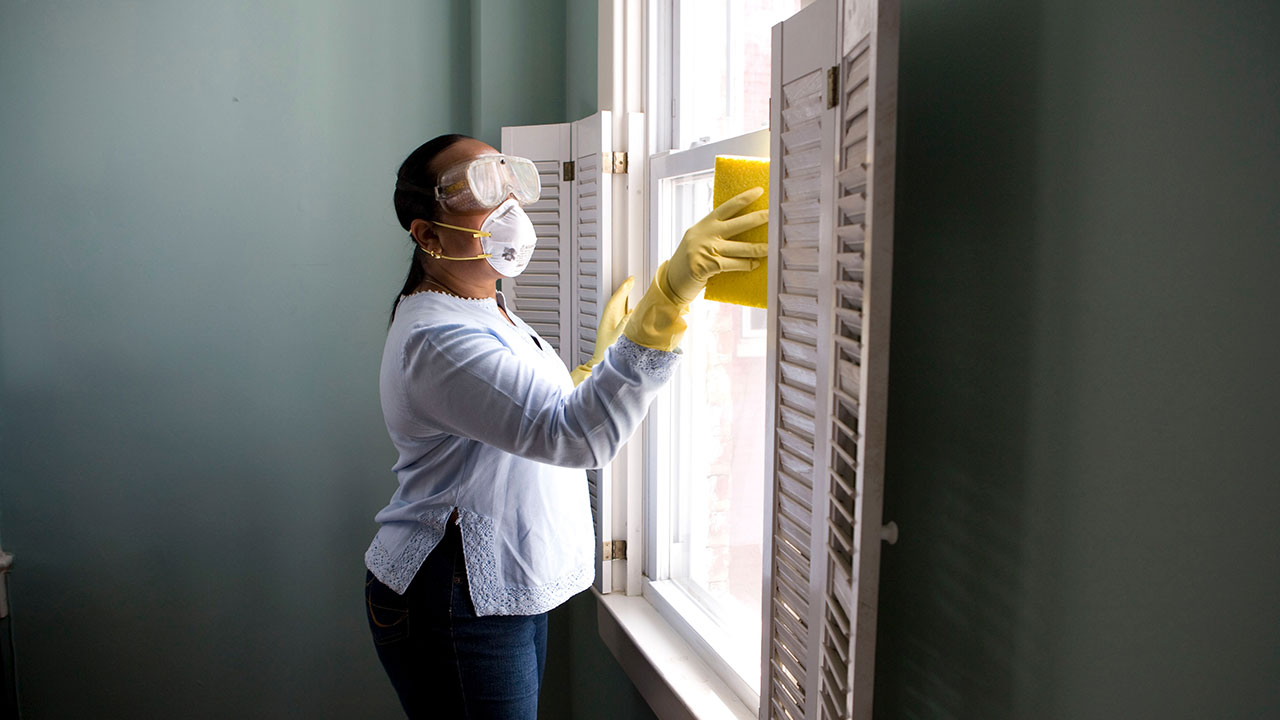 How to clean PVC windows
