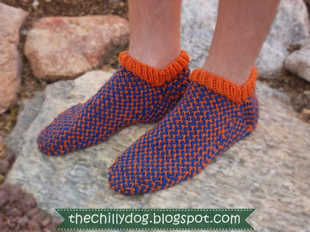 Show your team pride with a free printable PDF pattern for men's knit slipper socks | The Chilly Dog