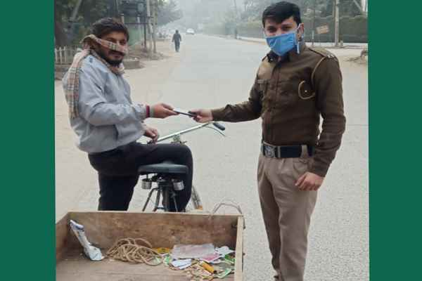faridabad-sipahi-karmveer-news-return-poor-mobile