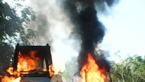 Alat Berat PT LAJ Dibakar Petani