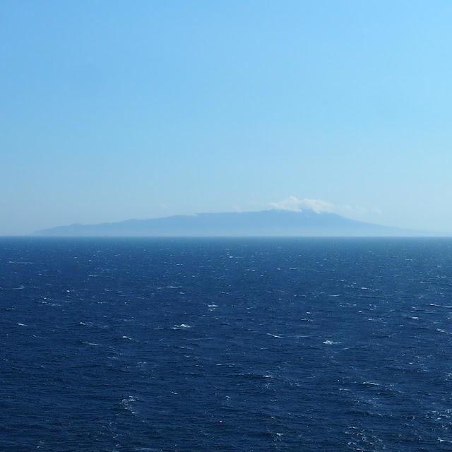城ヶ島から伊豆大島