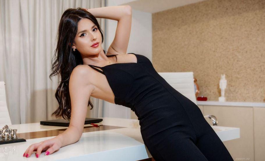 AnniePlum Model GlamourCams