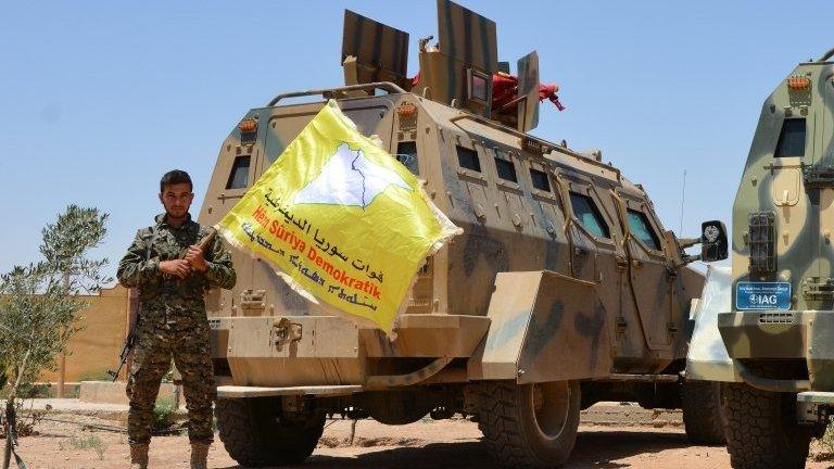 """كمين """"عين عيسى """" من قبل قوات سوريا الديمقراطية تحصد أكثر من 18 قتيلاُ من الميليشيات الأرهابية"""