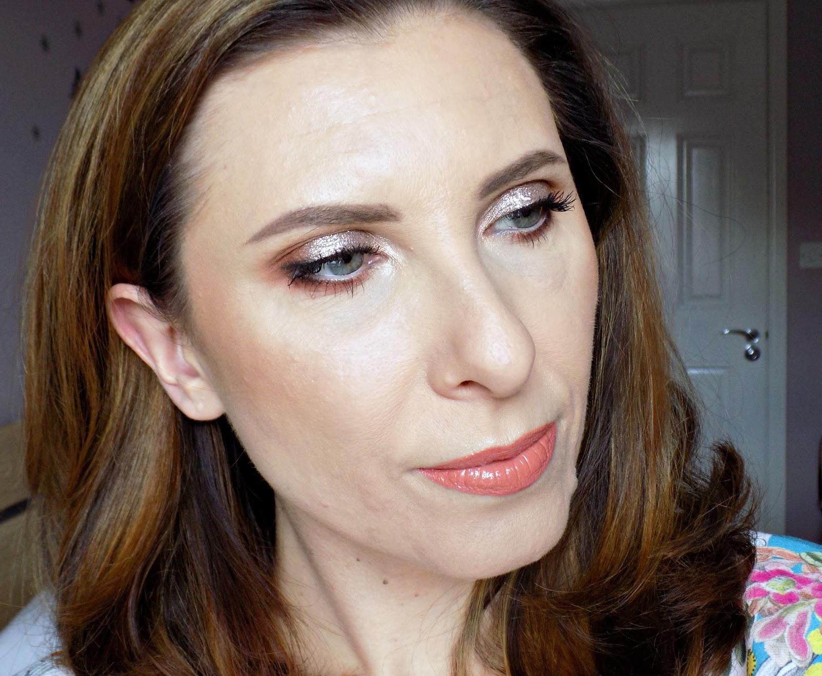 Makeup look using Pixi Liquid Fairy Lights and Pixi highlighters