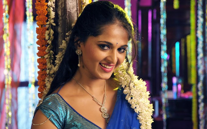 Indian Actress Anushka HD Wallpaper
