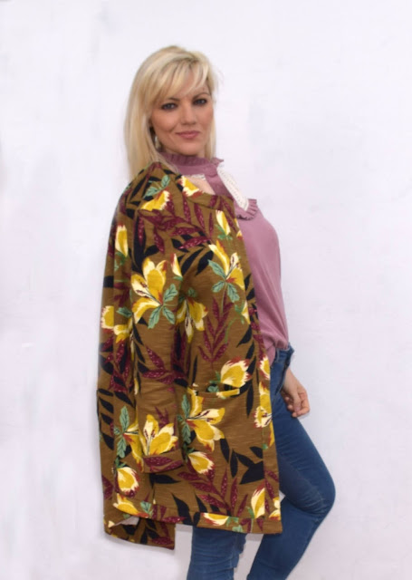 outfit primaverile cappotto stampato outfit jeans skinny outfit mocassini rossi cosa indossare in primavera cappotto primaverile leggero spring outfit printed coat outfit mariafelicia magno fashion blogger colorblock by felym fashion blogger italiane fashion bloggers italy italian fashion bloggers