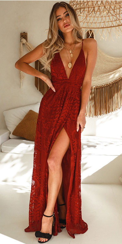 From casual outfits for family reunions to crazy trendy party outfits, we've got your back see these 24 Best Christmas Outfits You Can Shop this Holiday Season. | Red Prom Dress | #christmas #holiday #newyear #dress