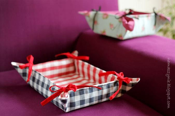 Koszyk na pieczywo, koszyk, koszyczek, na pieczywo, na stół, na owoce, w kratę, Boże Narodzenie, róże, w kwiaty, wiązany, na prezent,