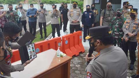 Wakapolri meninjau Rumah Sehat Covid-19 di kawasan Kampus II UNP