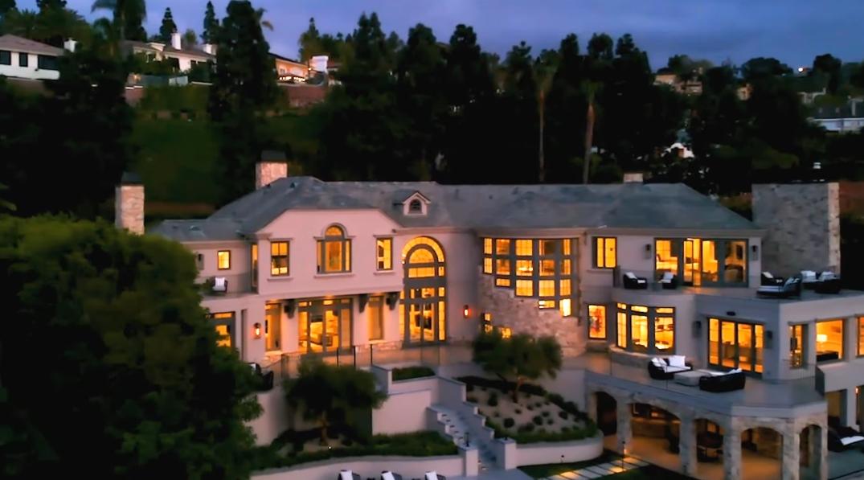 36 Photos vs. Tour Marshmello's $10 Million Los Angeles Mansion Interior Design