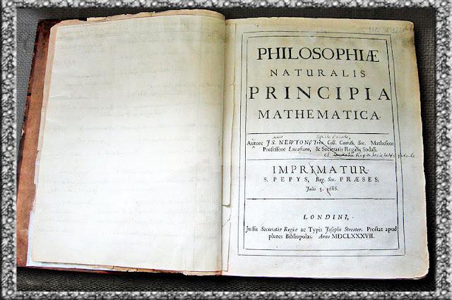 Foto Salinan buku Principia milik Newton