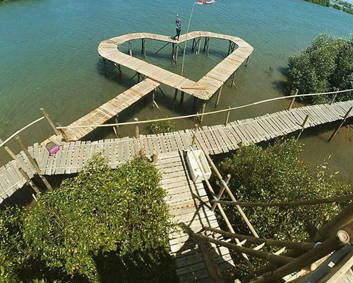 Tinuku.com Society built Jembatan Api-Api walkway in Congot Mangrove Forest for coastal rehabilitation closer to public