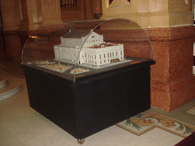 Maquete do Teatro Colon