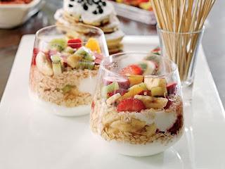 Yoğurtlu Meyve Salatası ile ilgili aramalar yoğurtlu meyve salatası diyet  yoğurtlu meyve salatası kaç kalori  süzme yoğurtlu meyve salatası  yoğurtlu meyve salatası faydaları  meyveli yoğurt  yoğurtlu meyve bebekler için