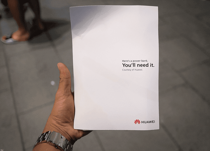 Huawei treated Apple fans with free powerbanks - 32,039 hits as of writing