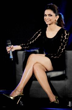Deepika Padukone Legs Bollywood Hot Deepika ...