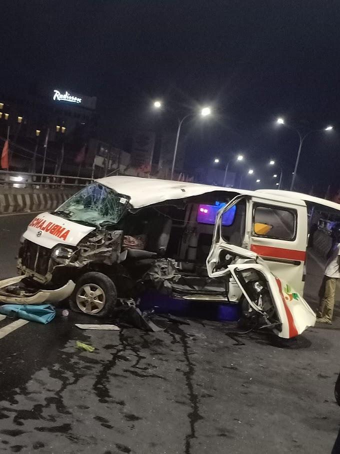 Na'as, Mobil Ambulance RS. Medika Bukit Kemuning Kecelakaan di Fly Over MBK