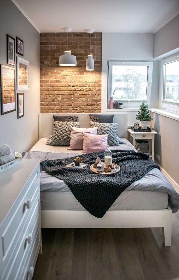 double room widow's bed