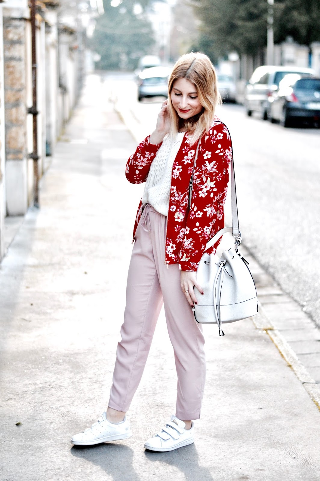 Look femme printemps : associer le rouge et le rose