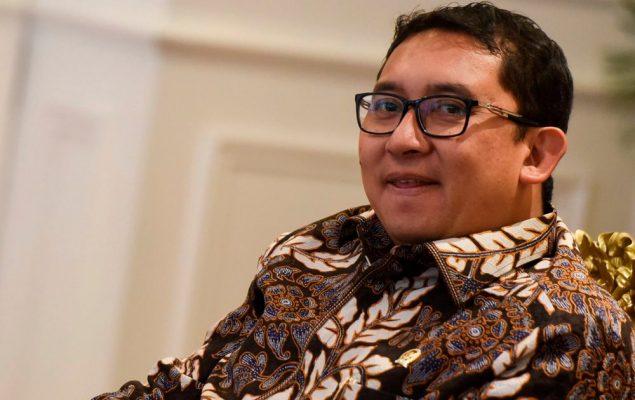 Sindir Jokowi, Fadli Zon Buat Sajak 'Mau Saya Tabok'