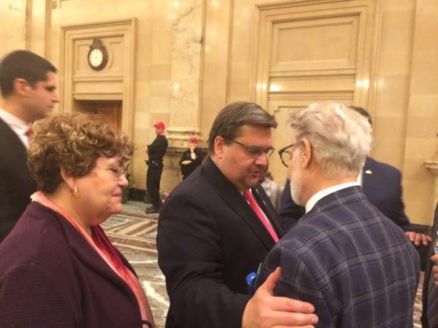Ο δήμαρχος Κοντέρ με τον πρόεδρο της Ελληνικής Κοινότητας Μείζονος Μόντρεαλ Νίκο Παγώνη