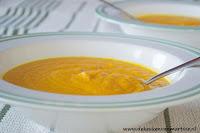Gouden wintersoep van wortels, gember en kurkuma