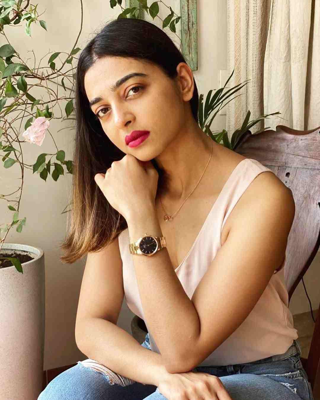 Web Series Actress Radhika Apte Instagram Photos