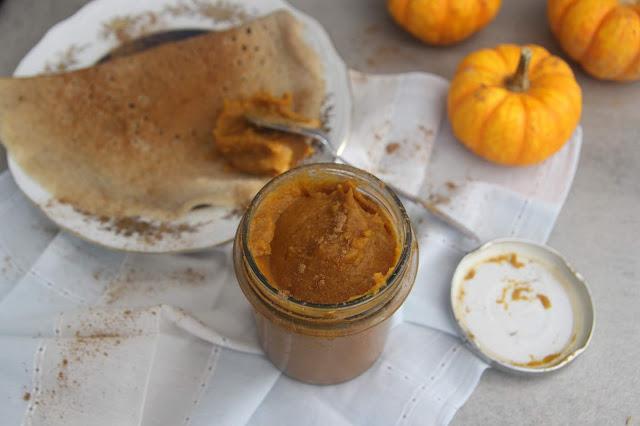 Cuillère et saladier : Beurre de courge (pumpkin butter)
