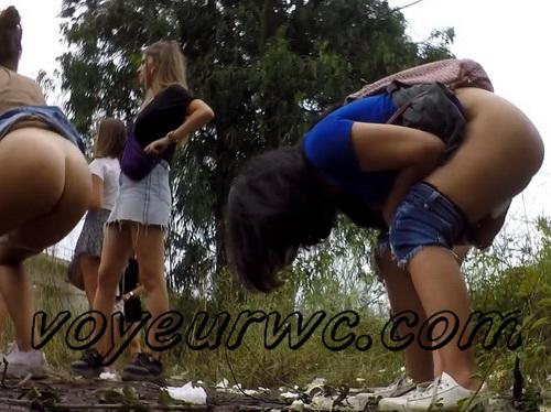 Girls Gotta Go 223 (Voyeur pee videos - Drunk spanish chicks peeing in public at festival)