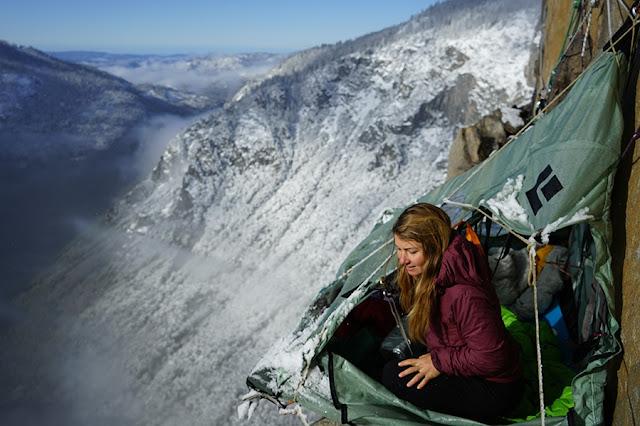 Cara Camping Ala Pemanjat Tebing