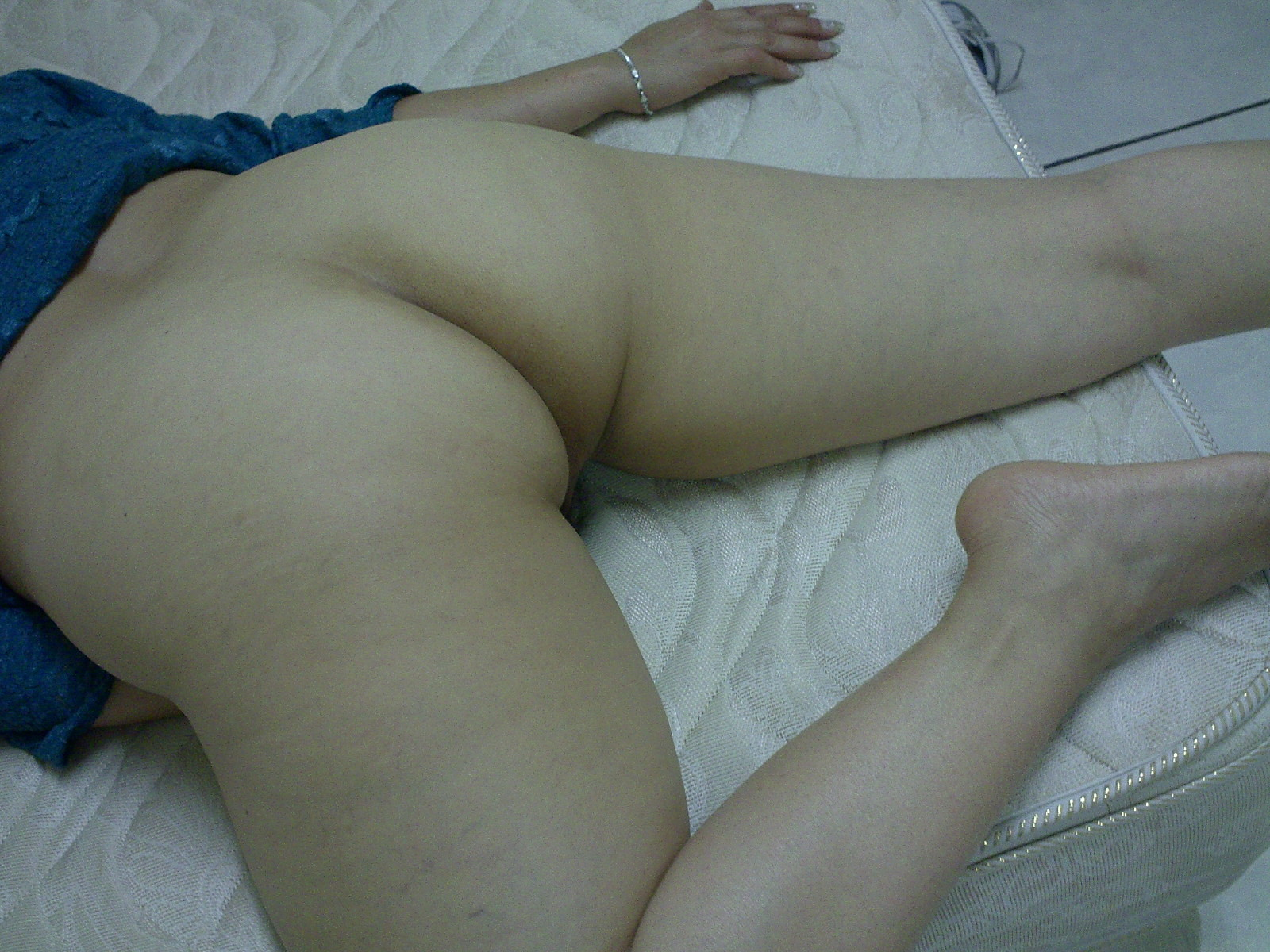 hairy pussy in the theater