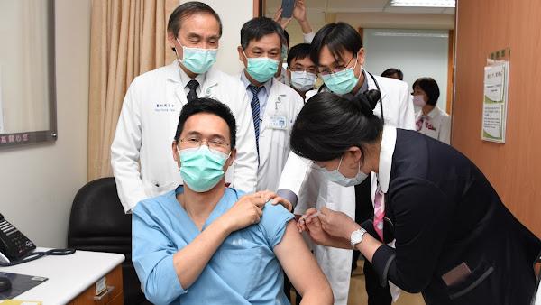 彰基醫院鼓勵接種COVID-19疫苗 祭出防疫小禮物