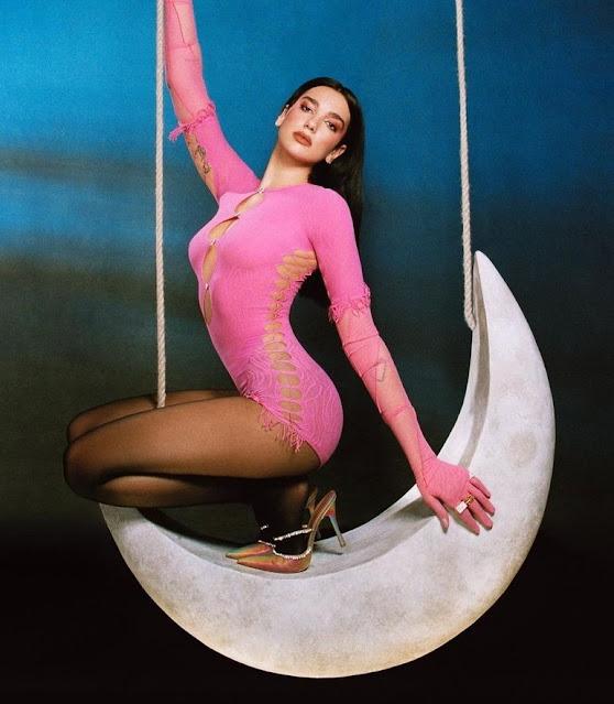 """L'album di Dua Lipa """"Future Nostalgia"""" è il più venduto del 2021 nel Regno Unito"""