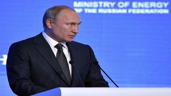 Rusia reduce a la mitad participación del dólar en sus reservas